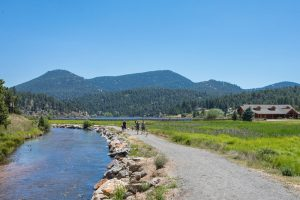 Evergreen, Colorado: Think Outside the City