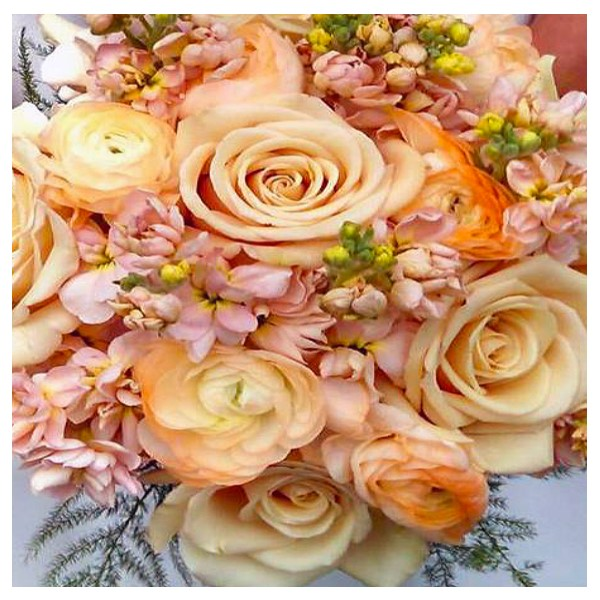 Picture of bouquet of flowers and roses